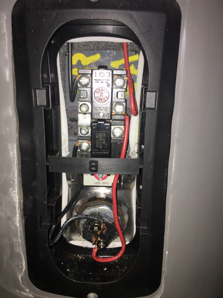 Royse City, TX - Rheem electric water heater not heating water. No hot water. Install new element and thermostat 5500w