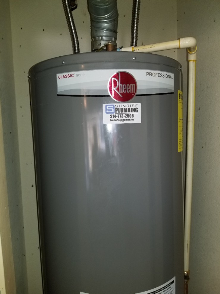 Rockwall, TX - 50 gallon gas water heater and garage closet is leaking from tank need repair.  Install new gallon gas water heater with dream Pan. Rockwall plumbers