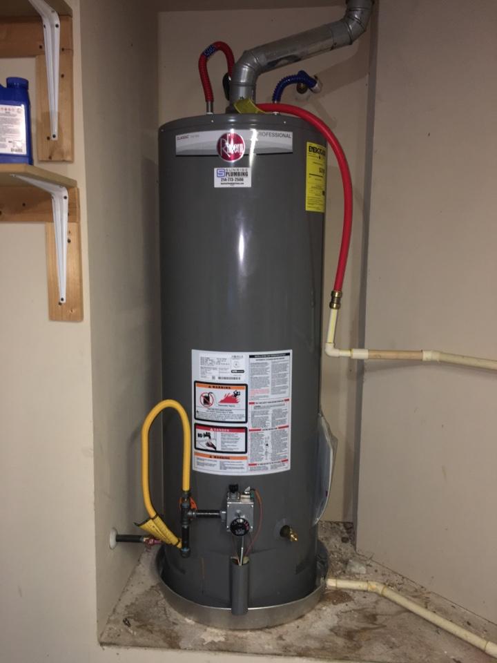 Royse City, TX - Water heater leaking in garage. Install new Rheem water heater