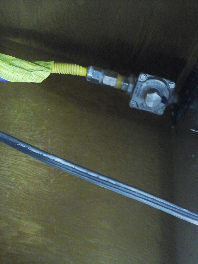 Duncanville, TX - Gas leak on gas regulator for cooktop