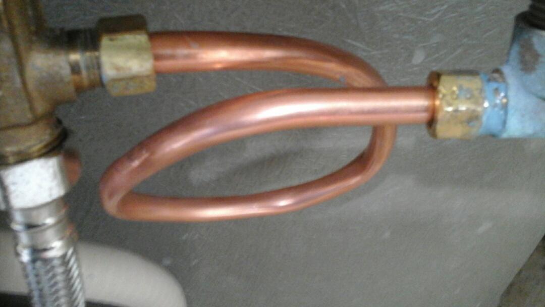 Midlothian, TX - Leaking tub faucet