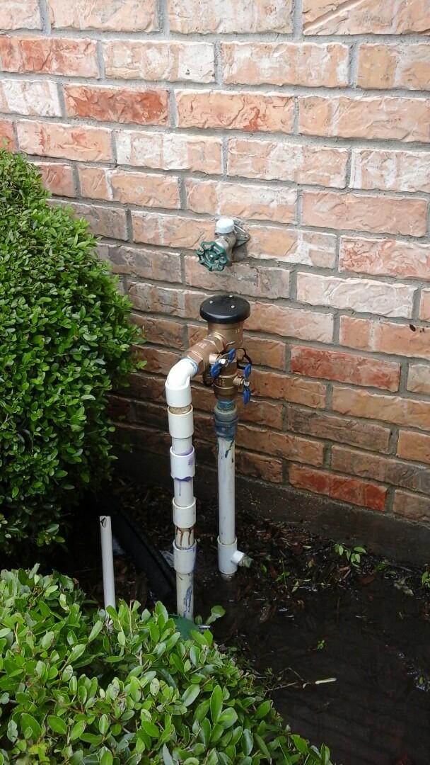 Waxahachie, TX - Leak on sprinkler Backflow preventer