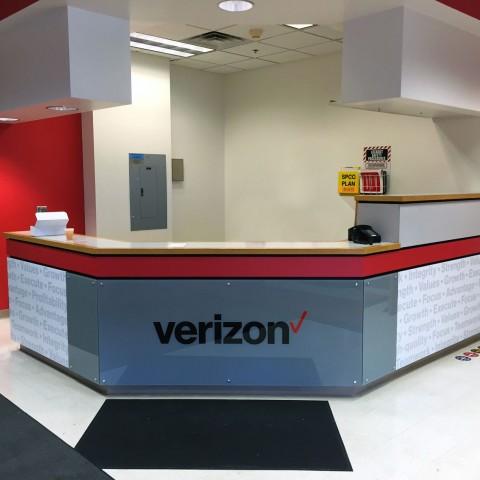Verizon Reception Desk   Syracuse NY