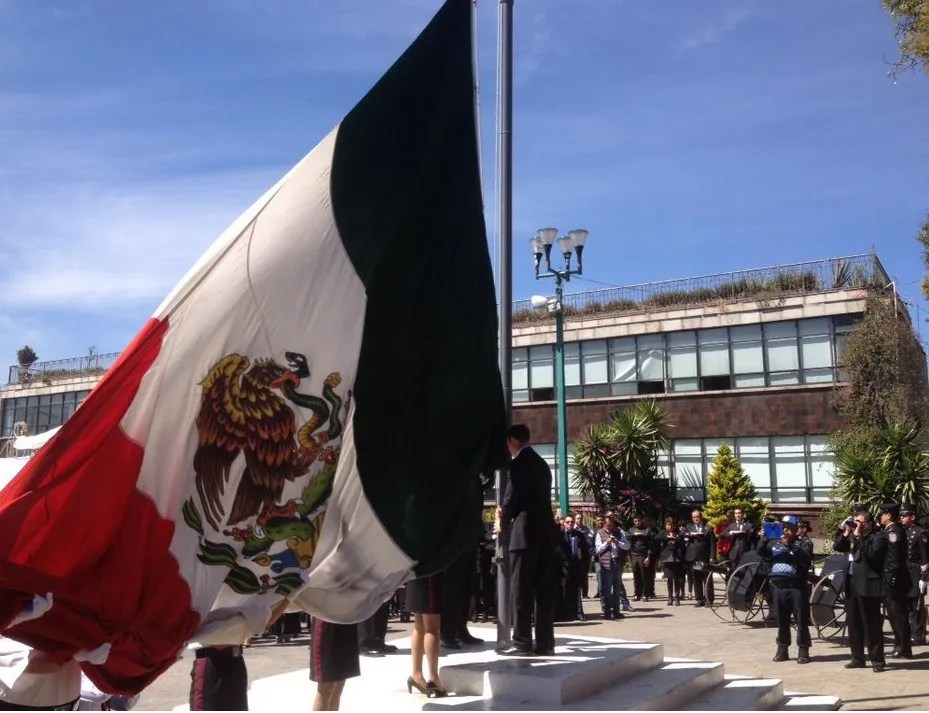 Cuajimalpa recuerda a víctimas y héroes de explosión con homenaje