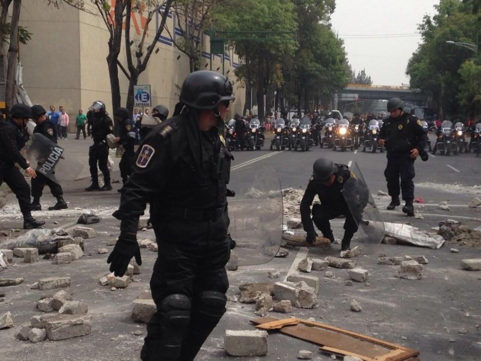 Colocan barricadas por Operativo Rastrillo en Eje 5 Sur