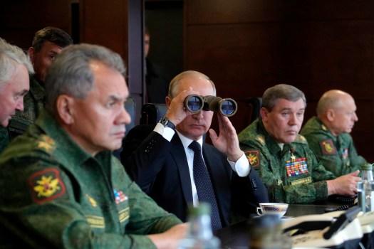 Putin observes Zapad related exercises on the Luzhsky Range, near St. Petersburg,