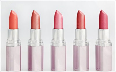 lipstick vs lip gloss beauty thehairstyler