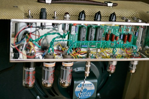 small resolution of the amp is very silence right now so i m going to play again this amazing amp thanks again brian ignacio g buy this tweed 5e3 kit