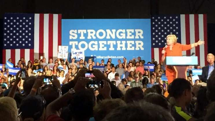 Clinton visits central Florida as part of multi-city tour across the state. Photo: Renata Sago.