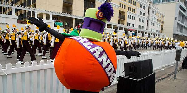 The Florida Citrus Parade traditionally takes place between the two signature football games in Orlando. Photo: Florida Citrus Sports.