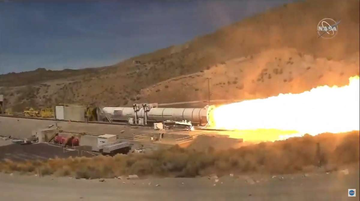 Huge rocket tested by Nasa ahead of 2024 Moon trip