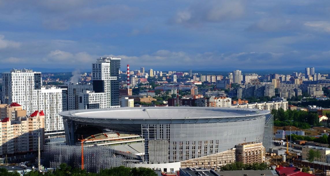 Ekaterimburgo, el estadio con grada porfuera