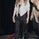 jennifer-lopez-blackberry-playbook-04