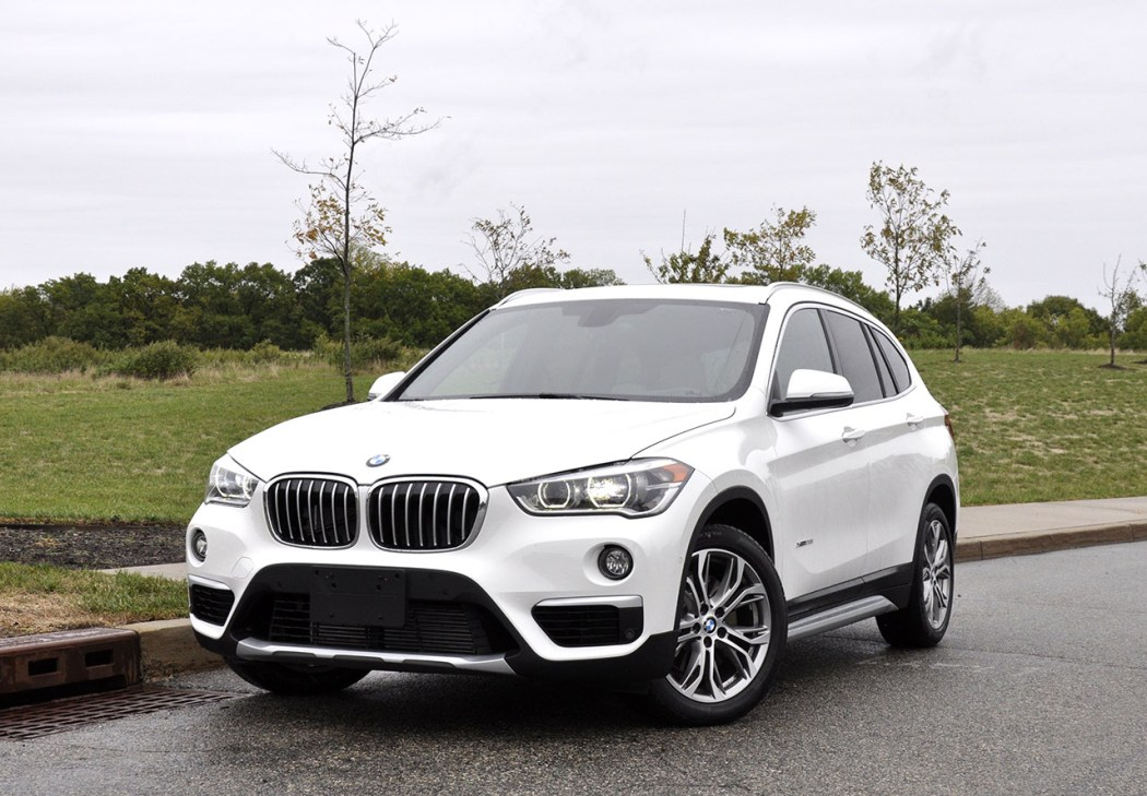 bf review 2016 bmw x1 vs the 2015 bmw x1 bimmerfile. Black Bedroom Furniture Sets. Home Design Ideas