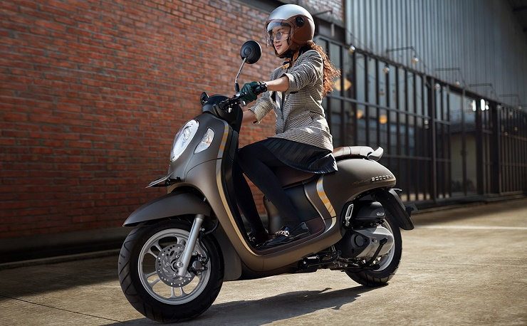 Checkout beat 2021 price list below to see the otr prices, promos, dp & monthly. Honda Scoopy 2021 Terbaru Indonesia Makin Ganteng, Harga? | BukaReview