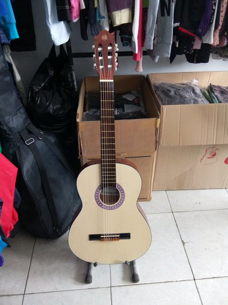 gitar osmond cream