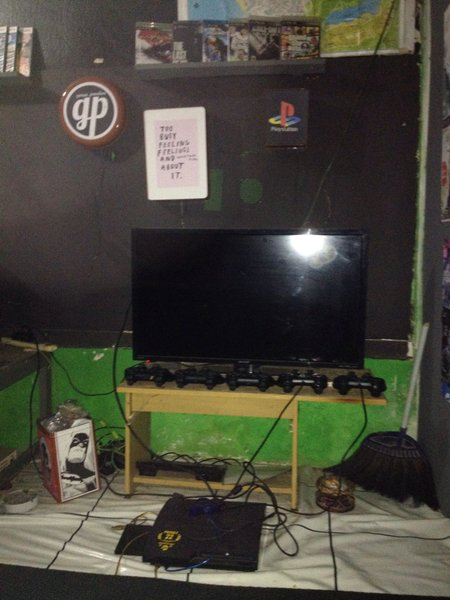 PlayStation 3 bekas model CFW seri 25xxxx Dan  Tv LED 32 in sharp aquos Dan  bonus 6 kaset BD  orginal PS3
