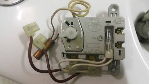 O 2 Sparepart Water Heater Ariston Thermostat kapasitas 15 dan 30 lit