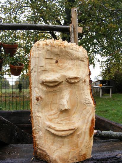 Sculpture  la trononneuse