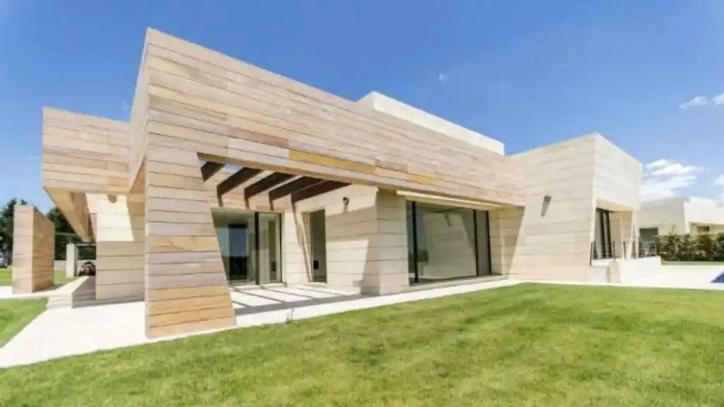 As es la lujosa y exclusiva casa de Cristiano Ronaldo en