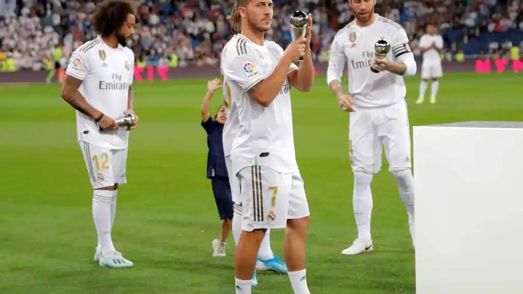 Eden Hazard oferece seu prêmio XI FIFPro aos fãs do Real Madrid