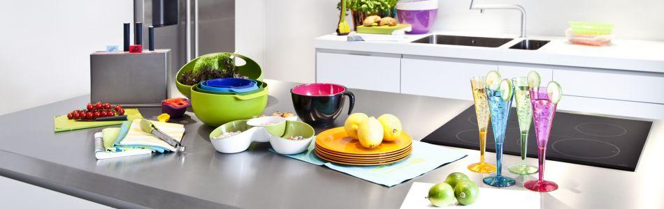 la cuisine tient une place centrale dans votre habitation on y prepare de delicieuses recettes les enfants y font leurs devoirs les amoureux y roucoulent