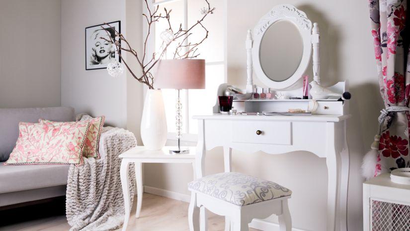 coiffeuse blanche de style romantique