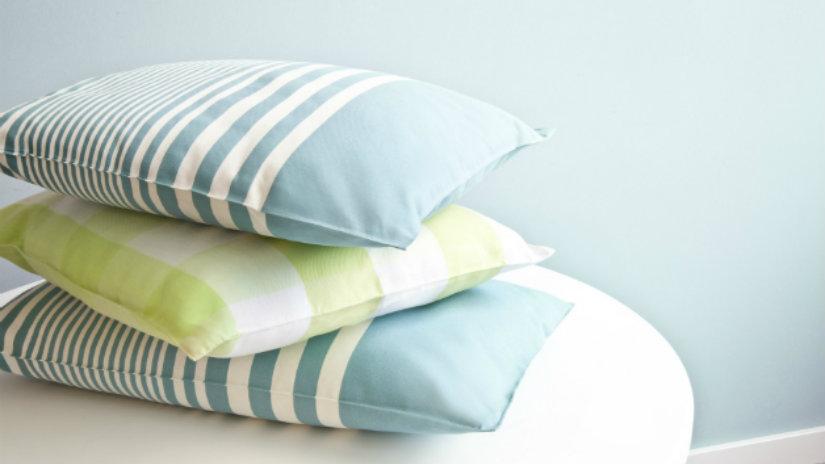 Cuscini a righe soffici accessori colorati alla moda
