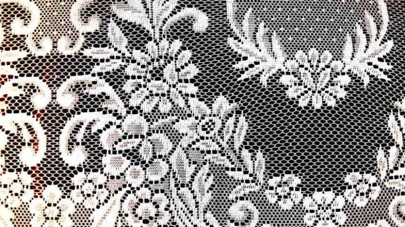 Consigli, idee, foto ed esempi di tende tradizionali, classiche e moderne, nuove tendenze, tessuti e modelli originali, con guida alla scelta della tenda. Tende Per Il Bagno Country Raffinatezza Bucolica Dalani E Ora Westwing