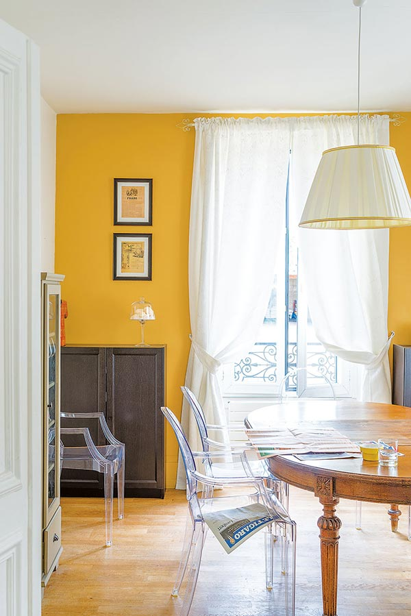 decorating with light yellow walls living room chairs for india how to decorate colour - period