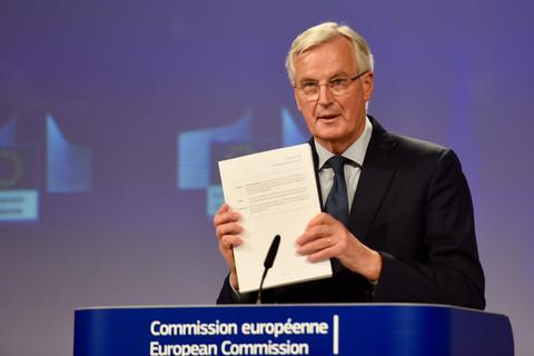 Decisive progress on Brexit as British cabinet backs deal