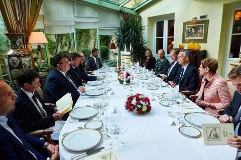 Turquía veto nubes fiesta de la OTAN en Londres 2