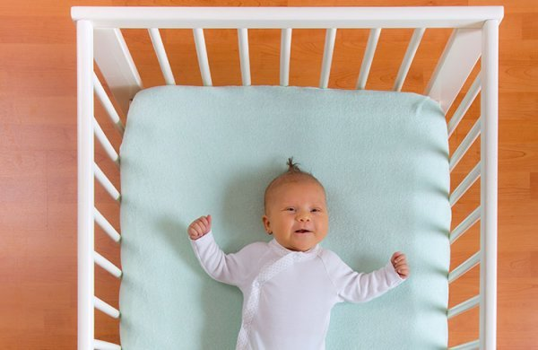 Babybedje veilig opmaken  Alles over opmaken babybed