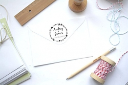 Timbro matrimonio floreale, timbro personalizzato floreale, con nomi e data, forma rotonda - 1