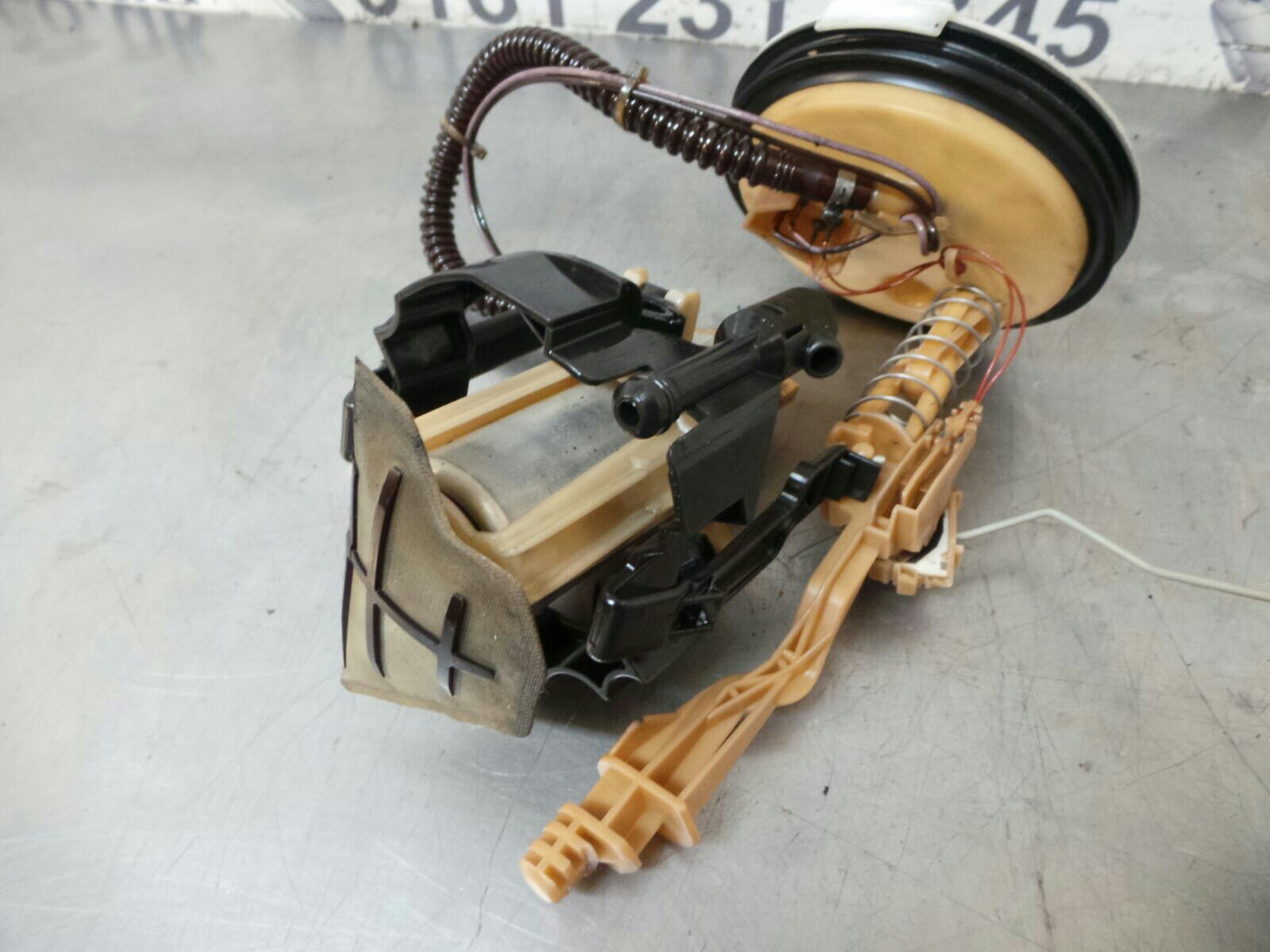 hight resolution of bmw e39 5 series petrol fuel pump 16146752368