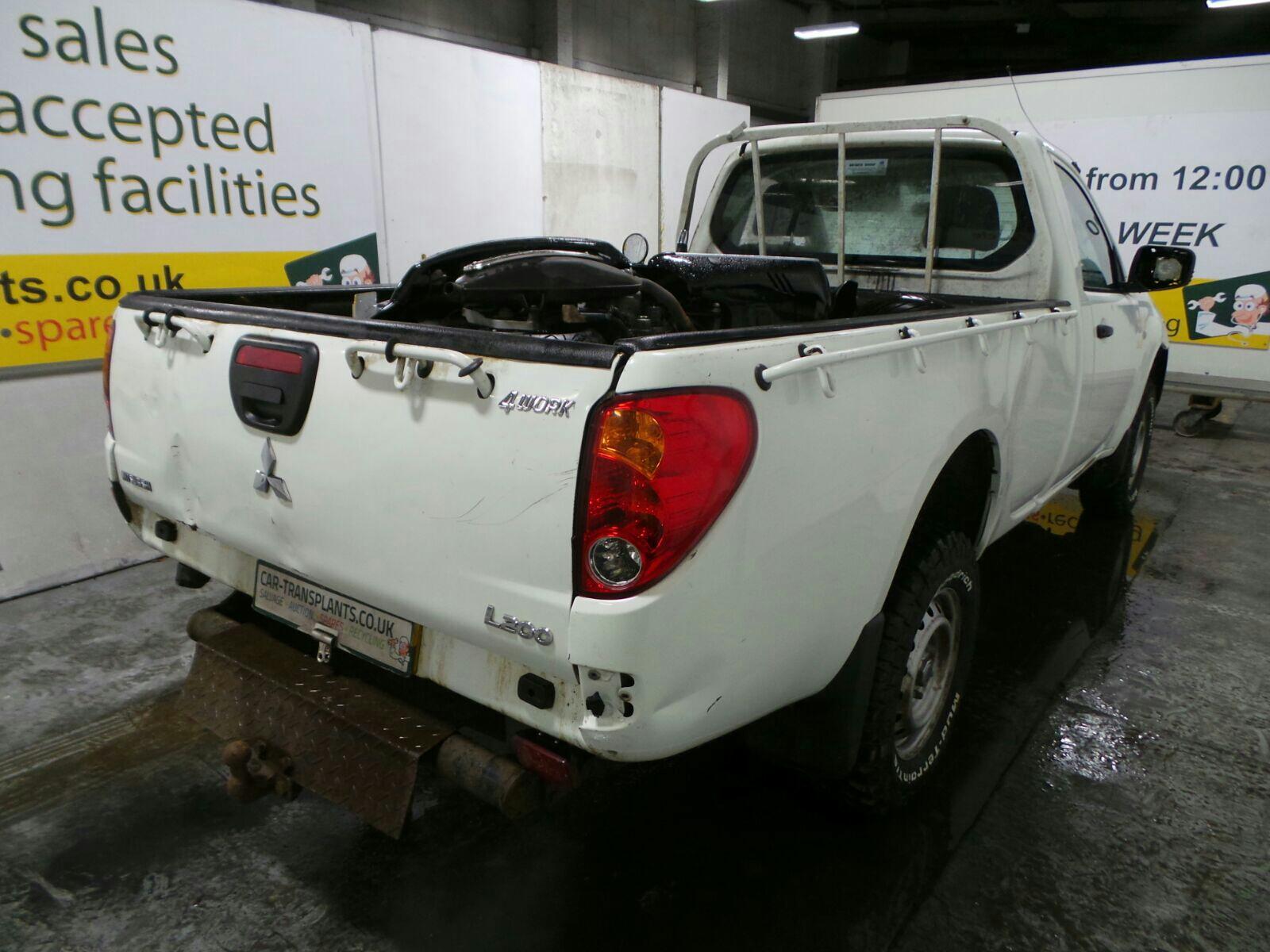 hight resolution of 2014 mitsubishi l200 4work single cab di d 4wd 2477cc rear end parts diesel manual 5 speed pick up at car transplants ltd road three due to close sun 2nd