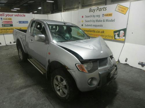 small resolution of mitsubishi l200 2006 to 2009 warrior club cab pick up