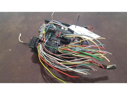 small resolution of peugeot 307 2001 to 2005 fuse box bsi bmi bcm body control unit 9659742080