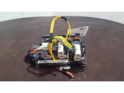 small resolution of citroen c3 2010 to 2013 fuse box bsi bmi bcm body control unit 9667199680