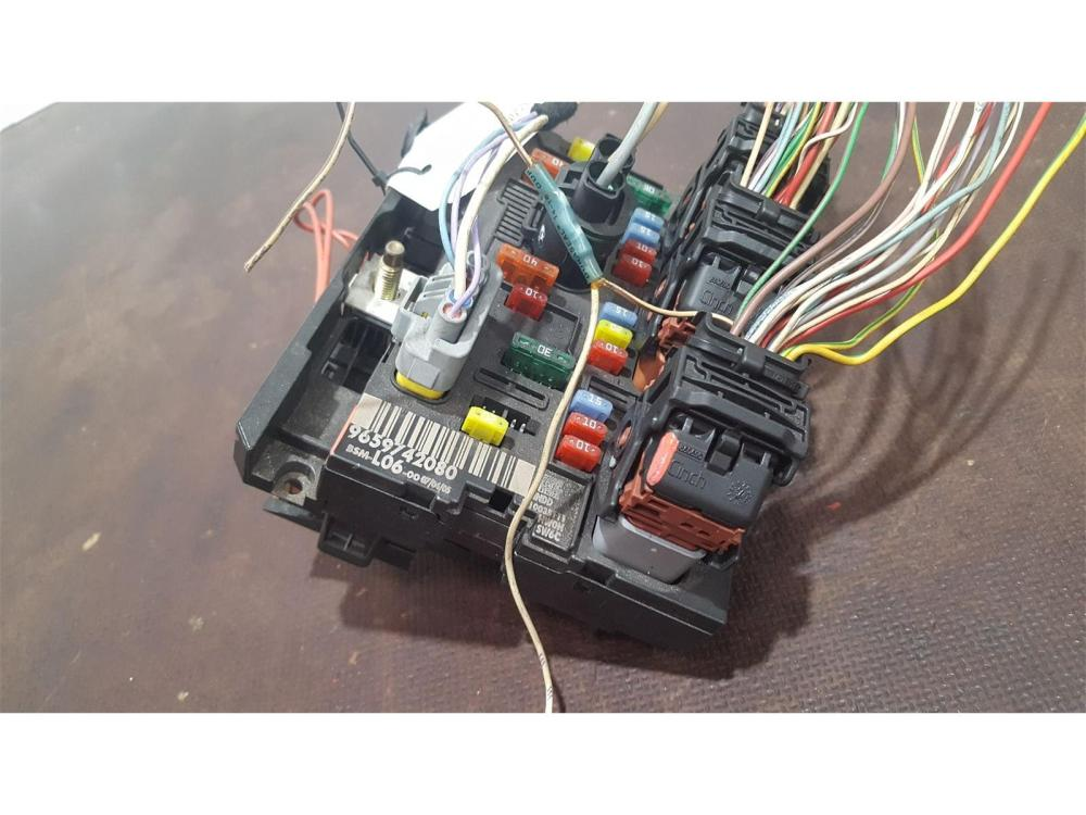 medium resolution of peugeot 307 2001 to 2005 s fuse and relay box 1 used and spare parts at