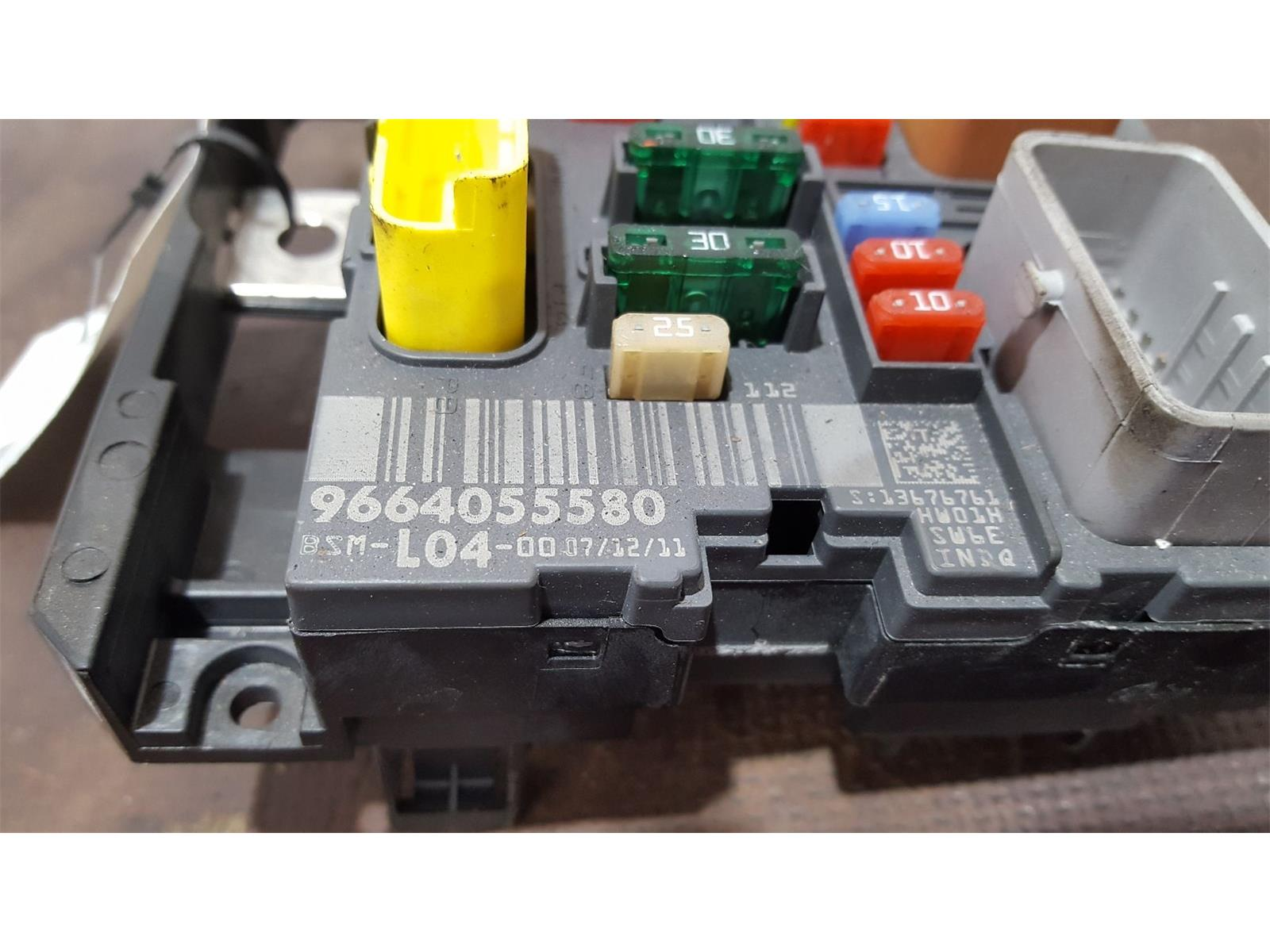 hight resolution of peugeot 207 2006 to 2009 gti fuse and relay box 1 used and spare parts at