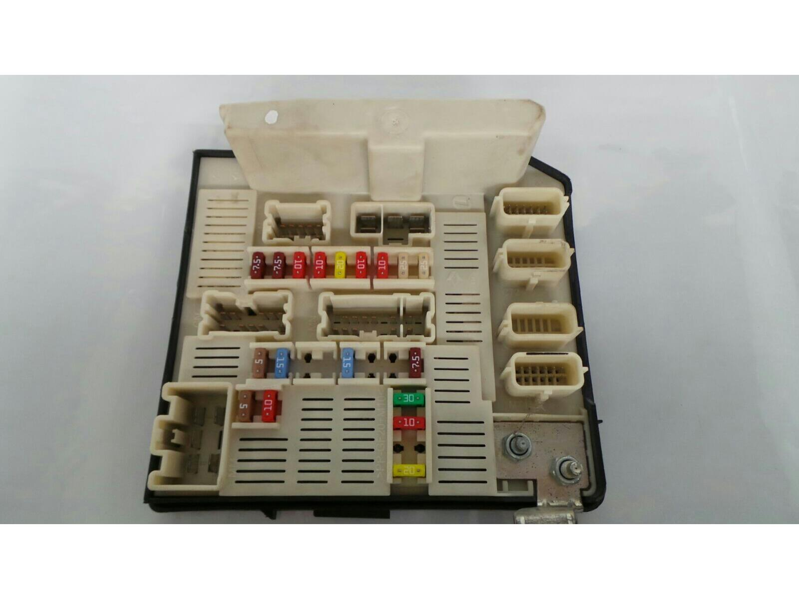 hight resolution of fuse board 2006 to 2010 renault megane petrol fuse box warranty 7311273
