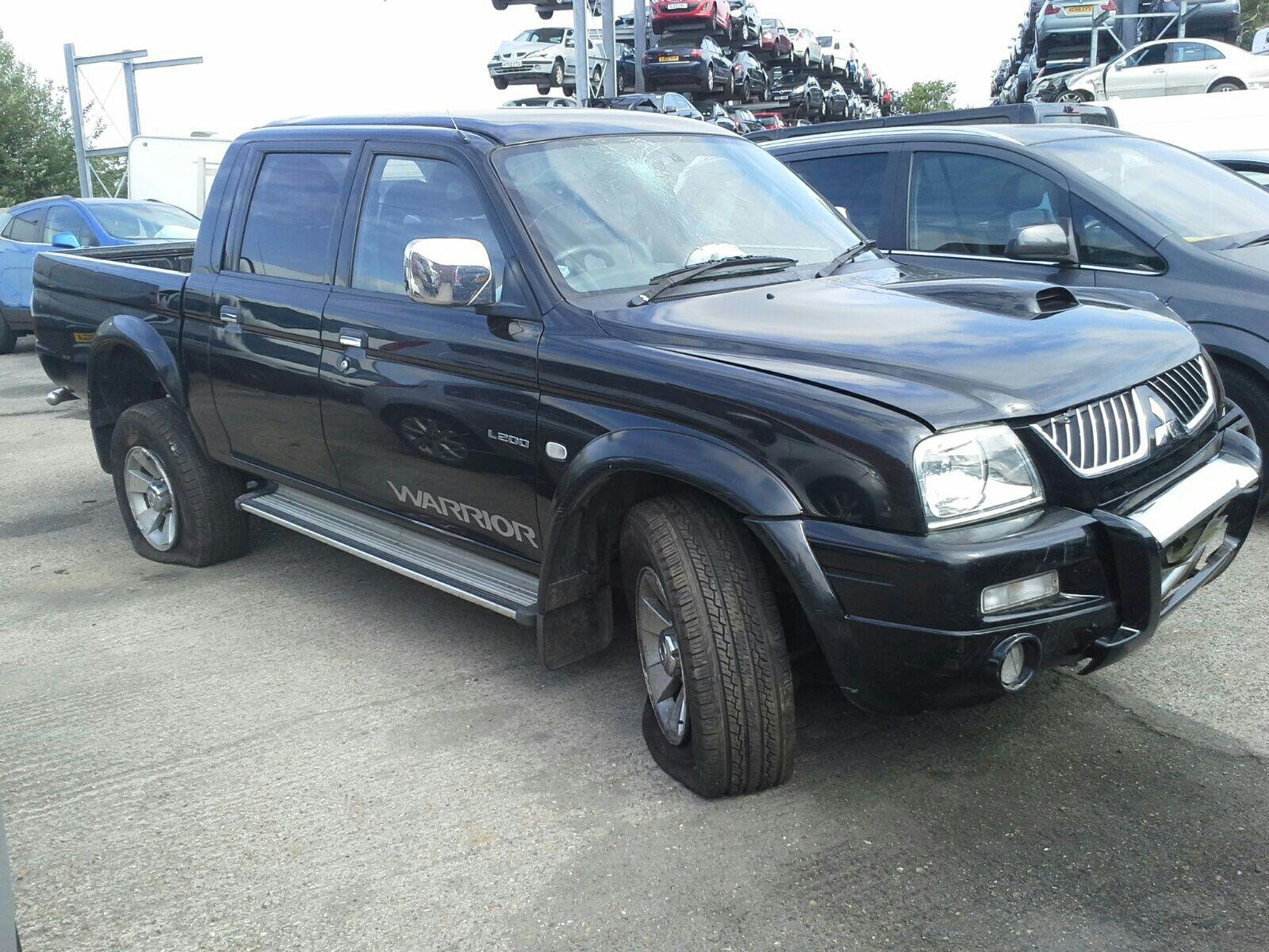 hight resolution of mitsubishi l200 1997 to 2006 pick up