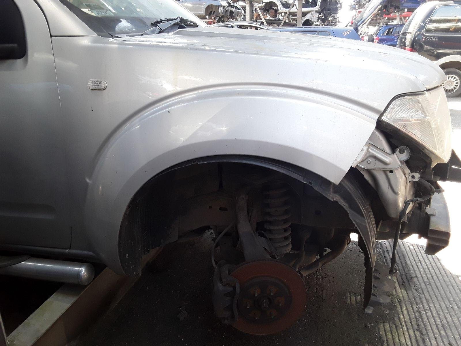 hight resolution of nissan pathfinder 2005 to 2014 5 door 4x4
