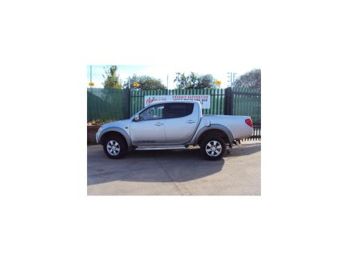 small resolution of  mitsubishi l200 2006 to 2009 pick up