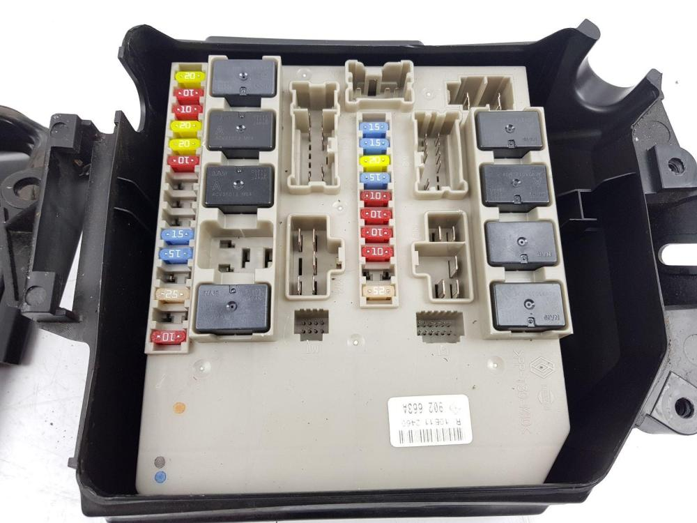 medium resolution of  2009 2012 mk3 renault clio ph2 fuse box 8200314276