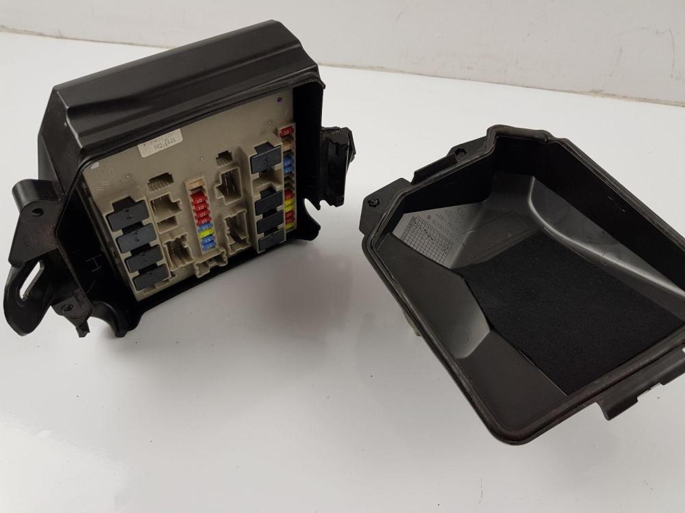 medium resolution of  2009 2012 mk3 renault clio ph2 fuse box 8200314276