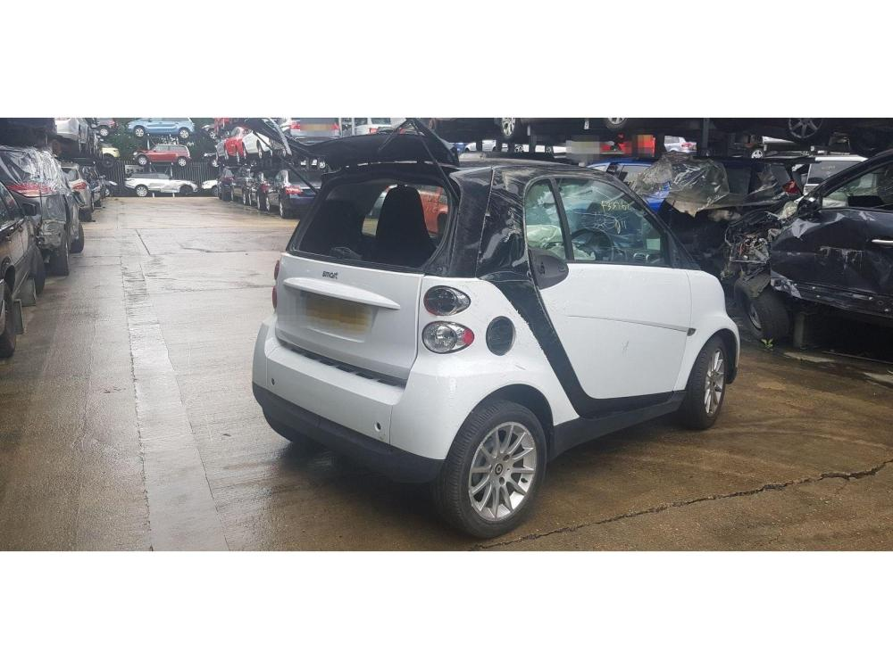 medium resolution of smart fortwo 2007 to 2010 passion 2 door coupe scrap salvage car for sale auction silverlake autoparts