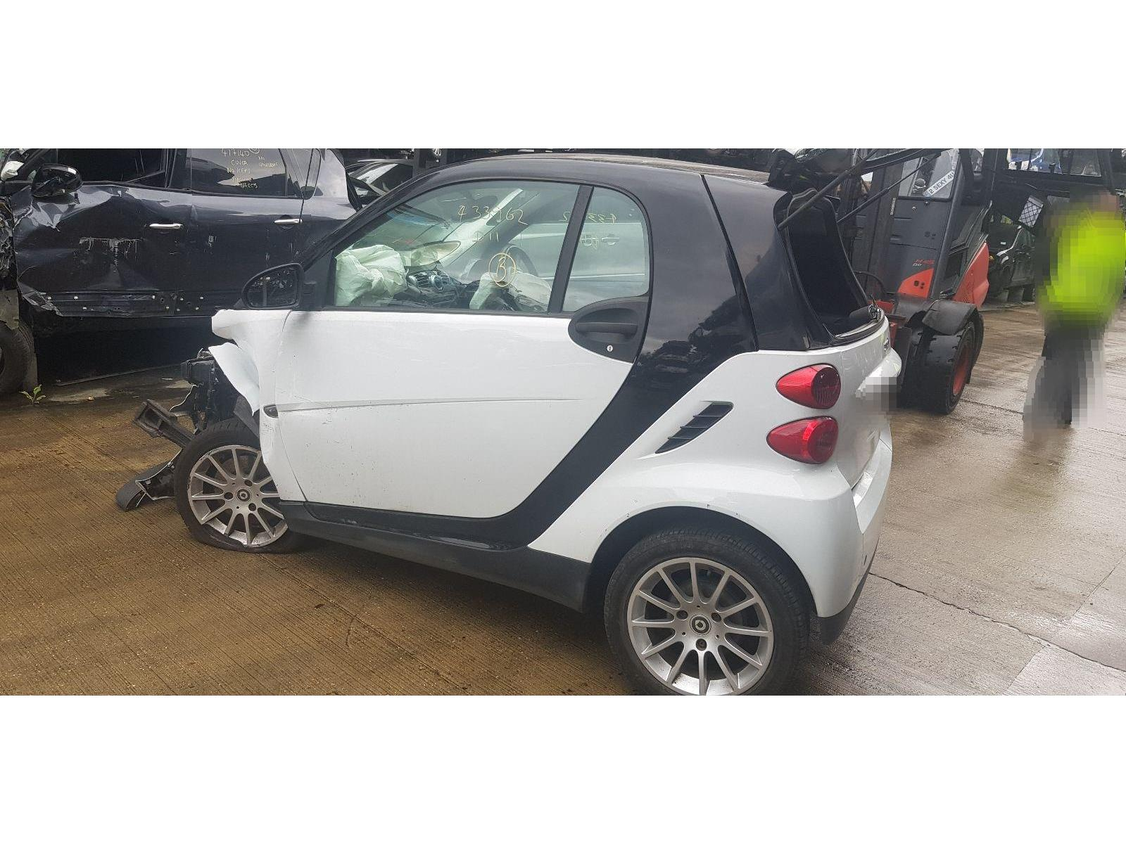 hight resolution of smart fortwo 2007 to 2010 passion 2 door coupe scrap salvage car for sale auction silverlake autoparts