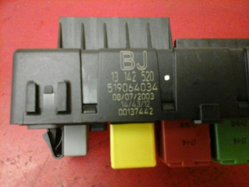 small resolution of vauxhall vectra c rec rear electrical control module fuse box bj 2002 2009